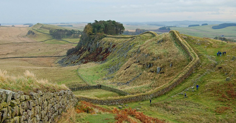 how to get to hadrians wall from carlisle