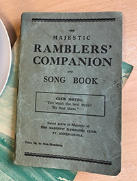 Cover of the booklet 'Ramblers companion song book'