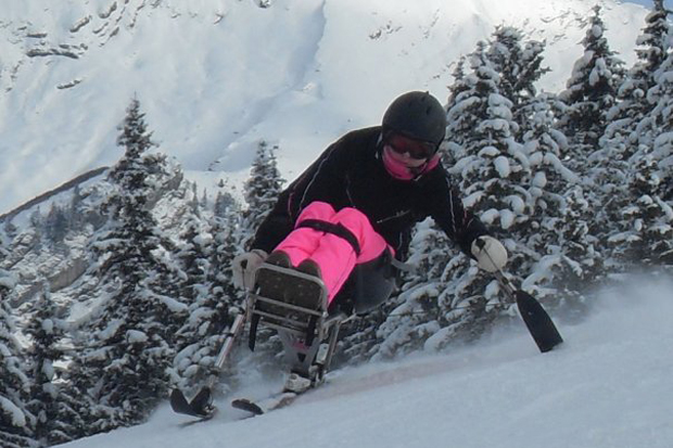 Claire Lomas skiing